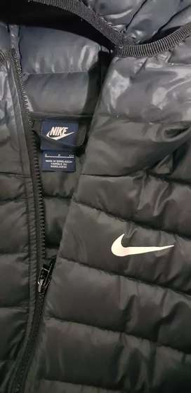 Campera inflable Nike - Talle S