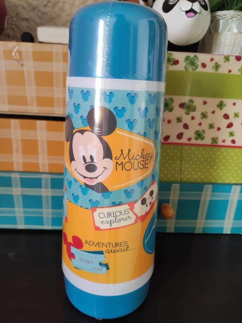 Vendo termo nuevo ilusa Mickey mouse 0