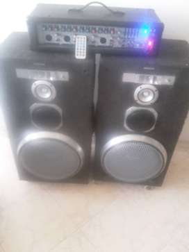 Cabinas de sonido mas amplicador con usb.radio..bluetooh