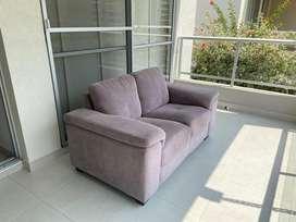 Sofa tela gris 2 puestos