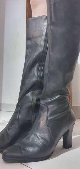 Botas para dama de cuero