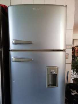 Vendo refrigeradora indurama de 16 pies