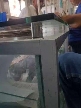 Busco instalador de vidrio y aluminio