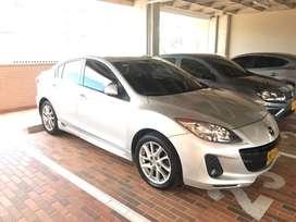 Mazda 3 all new 2014.  Automático.