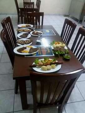 Comedor 6 puestos en laurel