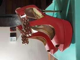 Zapatos marca BEBE numero 39
