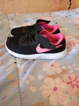 Zapatillas Nike Niña Talla 27