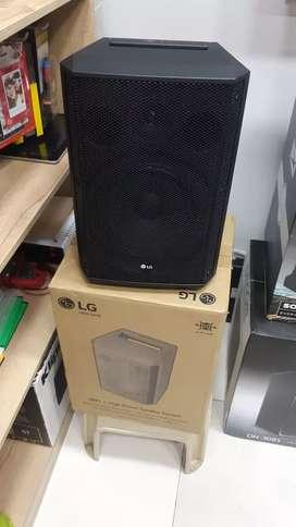 Cabina LG RM1 power speaker