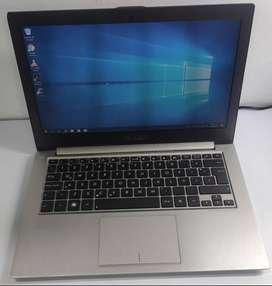 Portatil Asus Zenbook Core i5 3317,  6 Ram  SDD  240gb, 13.3 Pulgadas Con Su Bateria  y Cargador
