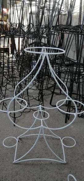 jardin-Porta macetas-maceteros-pedestales de metal-mueble de plantas