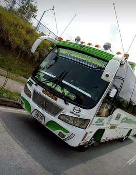 Se vende buseta hino 2008