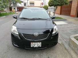 Vendo auto Toyota Yaris año 2013