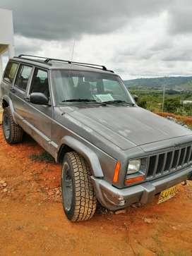 Vendo jeep cherokee laredo 4x4 mecánica 1997 full equipo