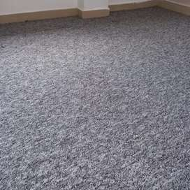 Instalamos alfombras para oficinas, estudios, auditorios, edificios, hoteles, comercios