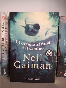 El Océano al final del camino Neil Gaiman Libro
