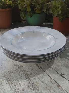 Cuatro platos hondos porcelana checoslovaca THUN