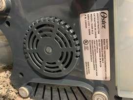 Extractor de Jugos Oster 3168-012