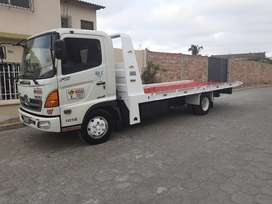 Vendo camion hino FC 500 con plataforma autocargable