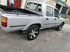 Toyota hilux 99 con a/c