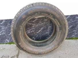 Se venden 2 Neumáticos Siliconados con clavos Hankook  P185/70 R14