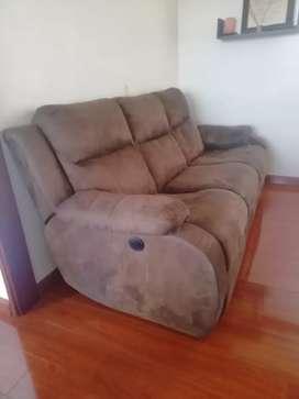 Gangazo, sofá tres puestos, uno reclinable