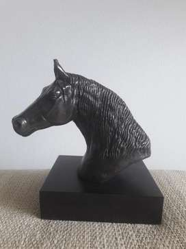 Cabeza caballo bronce