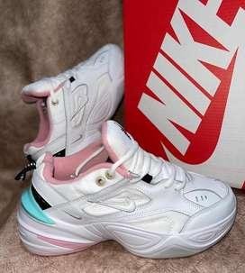 Nike Tekno dama