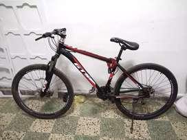 Bicicleta gts aro 26 aluminio cambios shimano altus