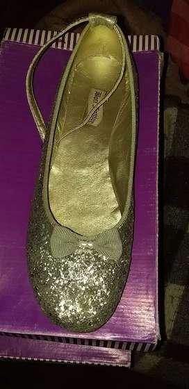Vendo zapato t.40 con brillo