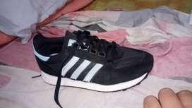 Vendo zapatos adidas talla 37