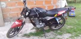 Vendo zanella rx o permuto veo tdo la moto esta cmo en la foto motor nuevo ase un mes