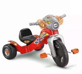Vendo moto triciclo Fisher Price Hot Wheels