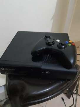 se vende xbox 360 muy poco uso como nuevo !!!