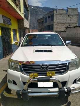 Vendo camioneta Toyota Hilux SRV