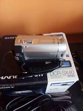 Vendo filmadora Sony Handycam DCR-SX40 en perfecto estado con todos sus cables.