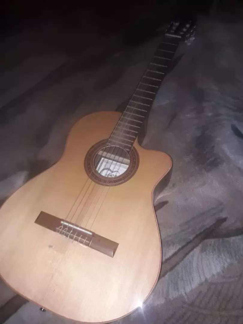 Guitarra electroacustica 0