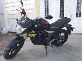 Moto Suzuki Gixxer en buen estado