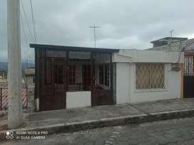 Venta de una casa rentera de dos departamentos centro de la ciudad