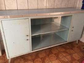 Mueble de metal. Ideal para sala o cocina vintage