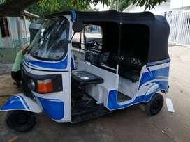 Vendo Motocarro 205 Modelo 2013, papeles hasta el próximo año.