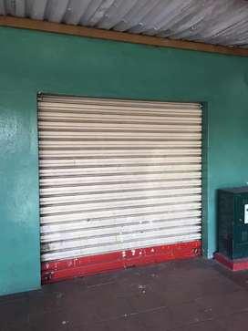 Venta de local comercial  en Albodegas de la Alborada XII Etapa.
