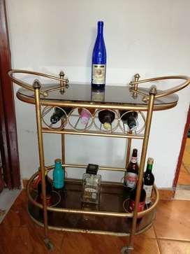 Mesa licorera