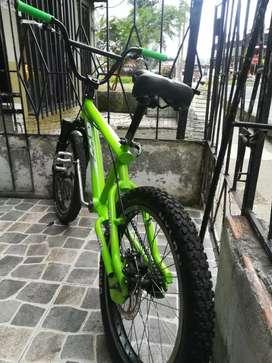 Vendo bicicleta gt cross casi nueva
