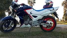 VENDO Honda Twister 250cc excelente estado