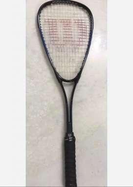 Raqueta Squash Wilson Defender muy buen estado. Largo total 68cm , sup