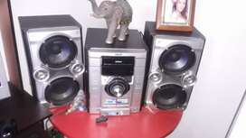 Equipo de sonido sony funcional cable auxiliar blutu emisora casetera en kenedy