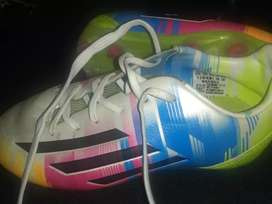 Botines Adidas 28