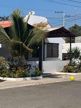 Alquilo casa con piscina en Salinas