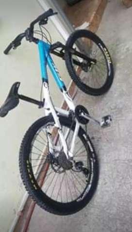 Bicicleta Aro 26 cuadro reforzado