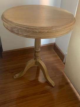 Sofá 3 puestos + mesa de centro+ mesa esquinera en madera